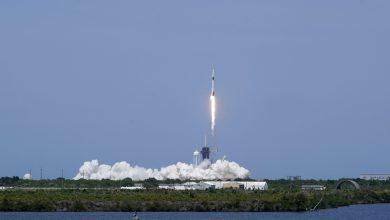 spacex-startete-zwei-astronauten-in-den-weltraum,-eine-historische-premiere